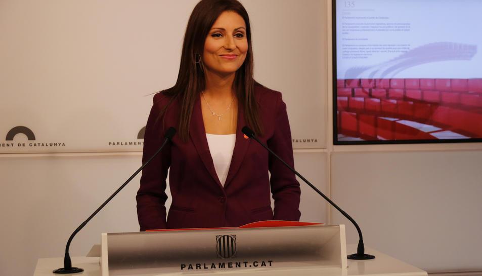 La diputada de Cs Lorena Roldán, en una roda de premsa al Parlament.
