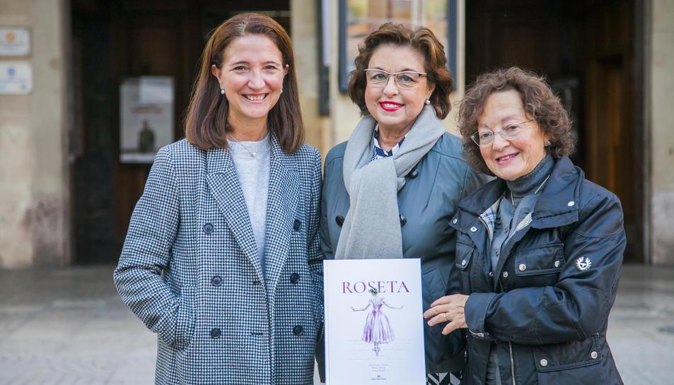 Teresa Llorach, Maria Lluïsa Amorós i Carme Puyol, dibuixant, autora i coordinadora del conte.