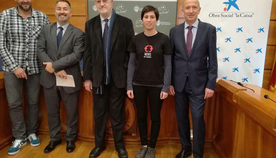 L'acte de renovació del conveni de col·laboració va tenir lloc a la Sala de Plens de l'Ajuntament del Vendrell.