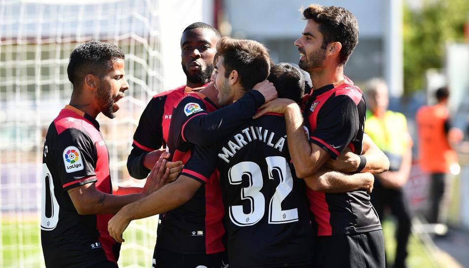 Els jugadors del Reus celebrant un gol anotat a l'Estadi Municipal