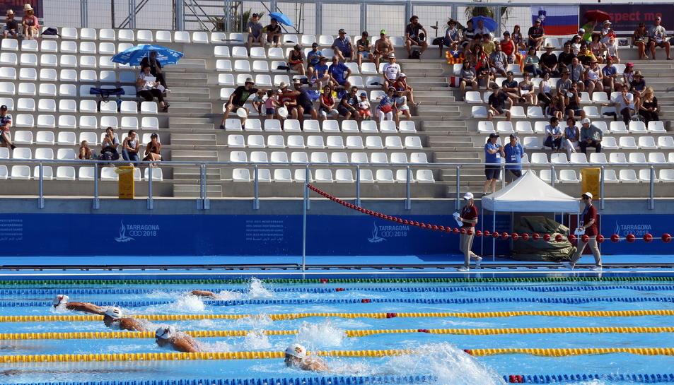 Una de les eliminatòries de natació femenina dels Jocs Mediterranis.