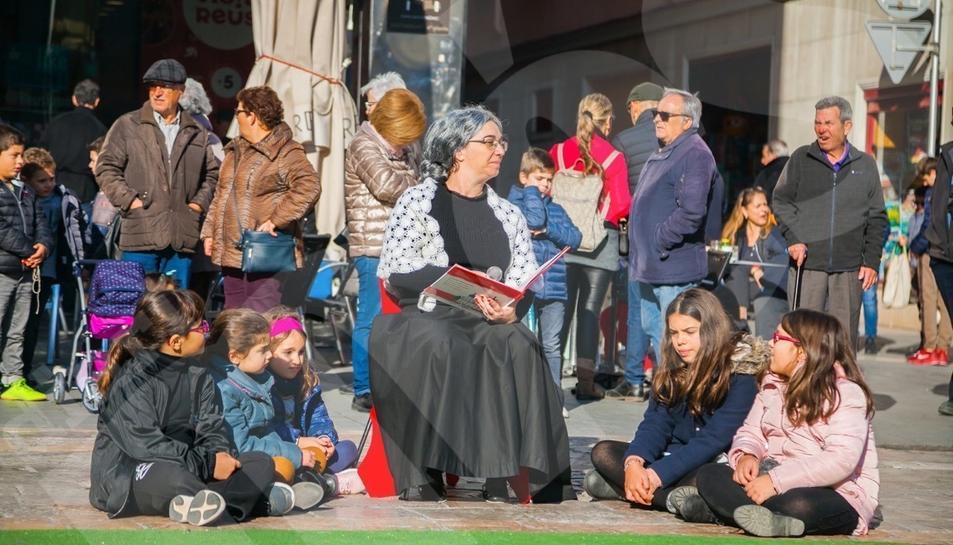 Representació del Conte del Trencanous a càrrec dels alumnes de l'Escola de Dansa del Centre de Lectura de Reus.