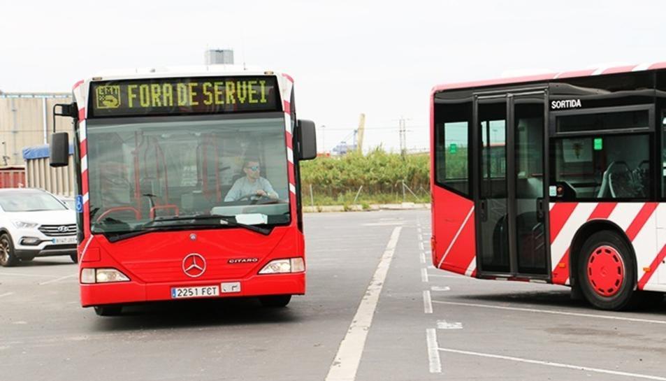 Autobusos de l'Empresa Municipal de Transports (EMT), en una imatge d'arxiu.