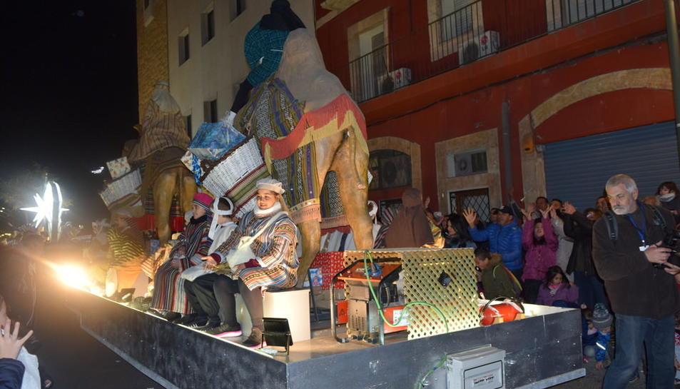 Els Reis Mags passegen per Tarragona