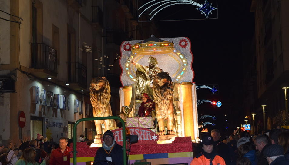 Els Reis Mags passegen per Tarragona (2)