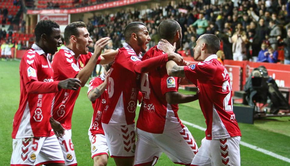 Els jugadors del Nàstic celebren el gol