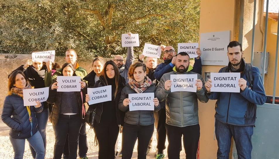 El primer acte de protesta el va fer part de la plantilla a les portes del centre el passat 4 de gener.