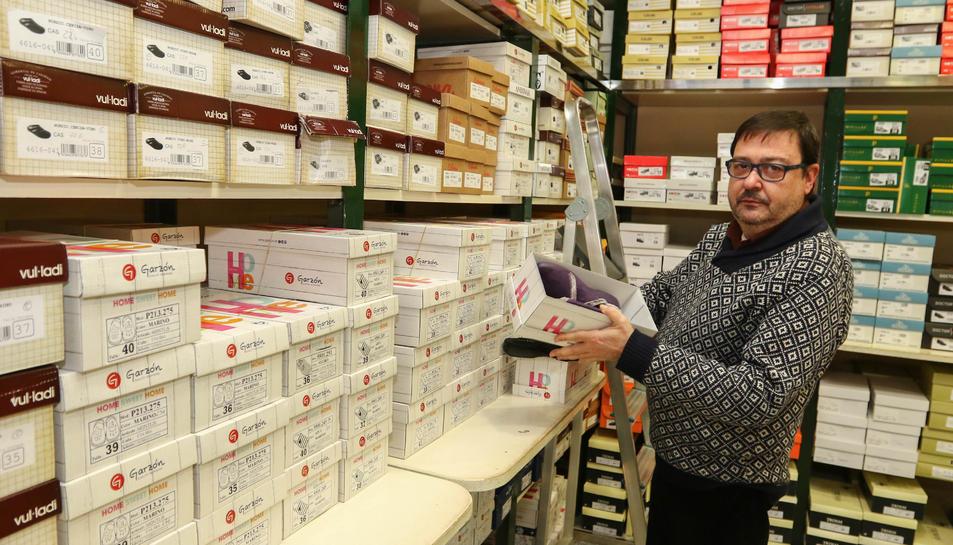 Josep Maria Marsal a la botiga familiar, situada al carrer Canyelles de Tarragona.