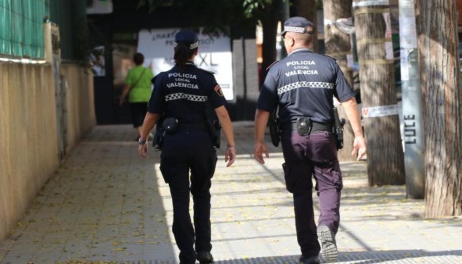 Agents de la Policia de València.