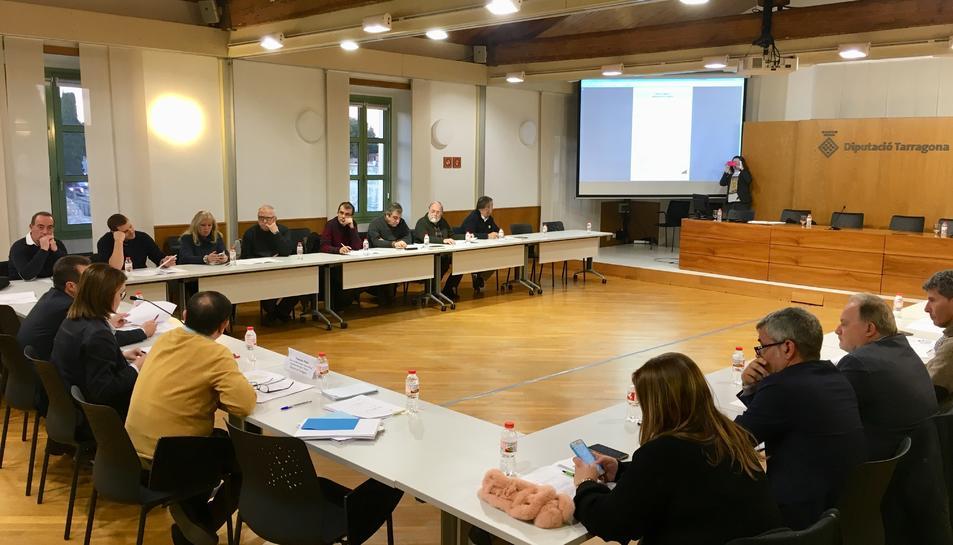 Reunió de la Diputació amb els alcaldes i regidors dels 21 municipis que conformen la Taula del Francolí.
