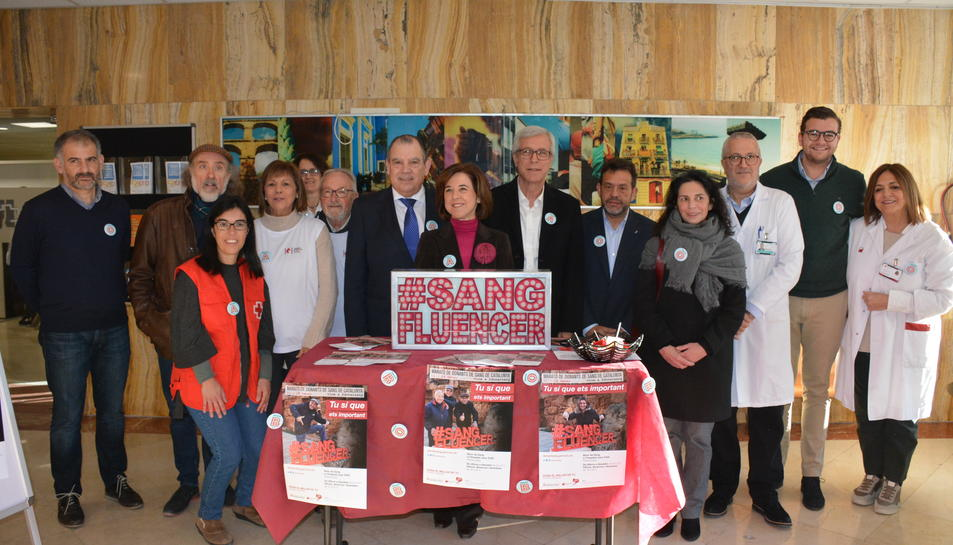 Fotografia de grup de la campanya de donació de sang a Tarragona.
