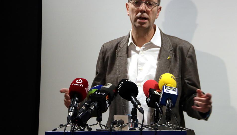 El secretari d'Organització del Partit Demòcrata i portaveu d'Economia al Congrés dels Diputats, Ferran Bel, en la roda de premsa de valoració dels pressupostos de l'Estat a Tortosa.