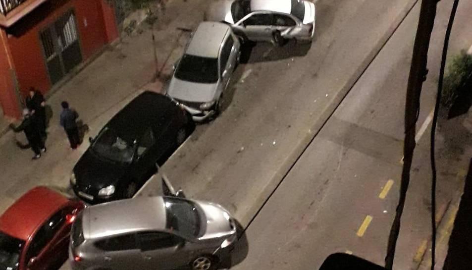 Imatge dels vehicles afectats, inclòs el del conductor begut