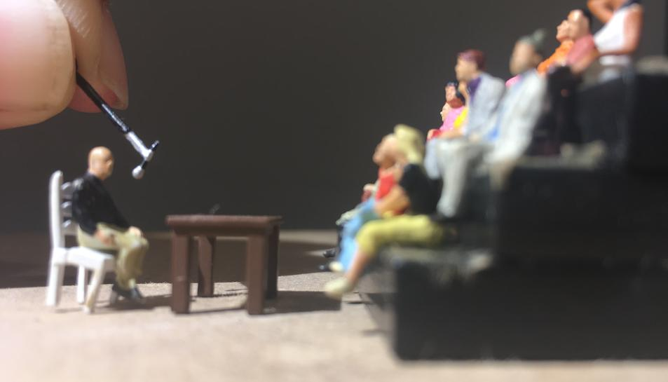 Imatge del nou espectacle de l'artista escènic David Espinosa 'Conferència Espectacular'.