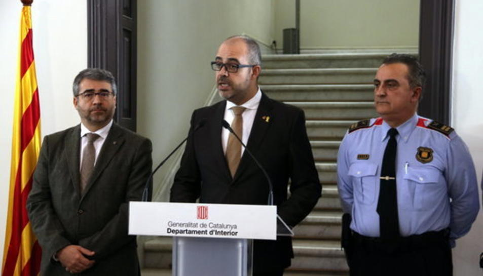 El conseller d'Interior, Miquel Buch, durant la compareixença per explicar l'operació Alexandria.