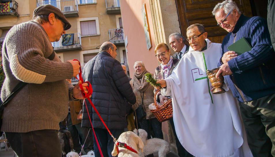 Jordi Amenós, en primer pla, no acostuma a faltar a la cita.