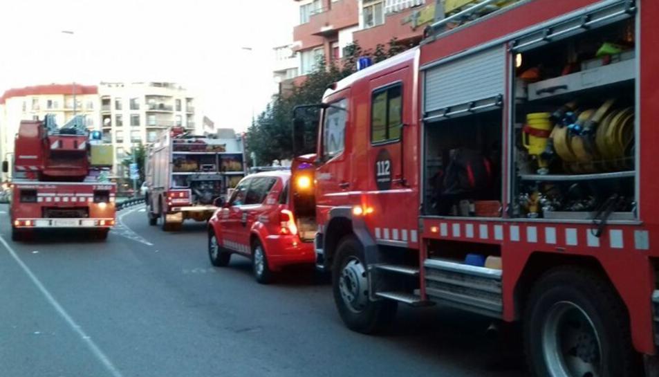Quatre dotacions de Bombers han treballat en el foc.