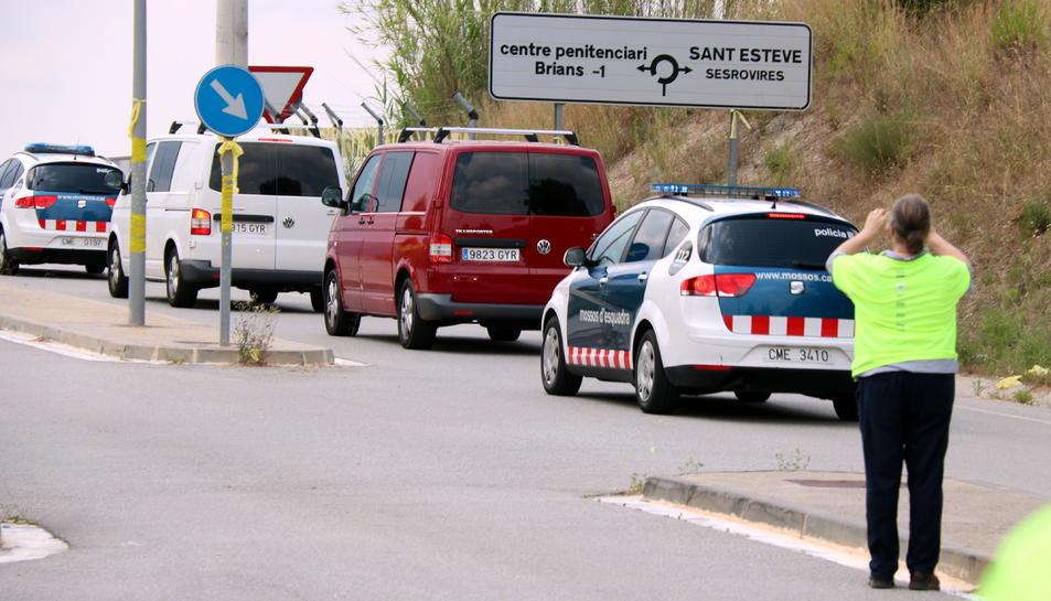Imatge d'arxiu de la comitiva policial que va transportar els presos cap a Lledoners.
