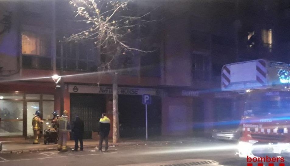 El foc s'ha originat en un domicili de l'avinguda Pere el Cerimoniós.