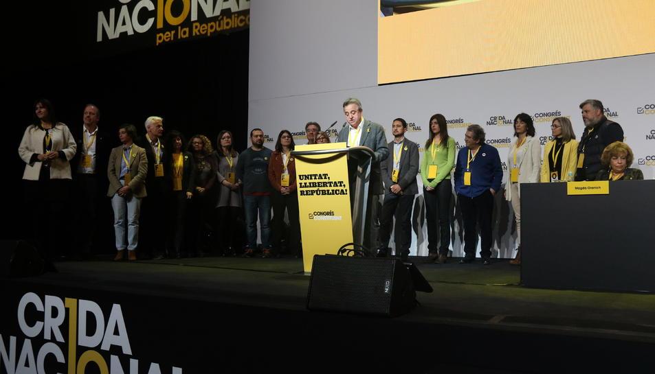 La llista encapçalada per Jordi Sánchez i Toni Morral per dirigir la Crida Nacional per la República durant el congrés fundacional del moviment polític.