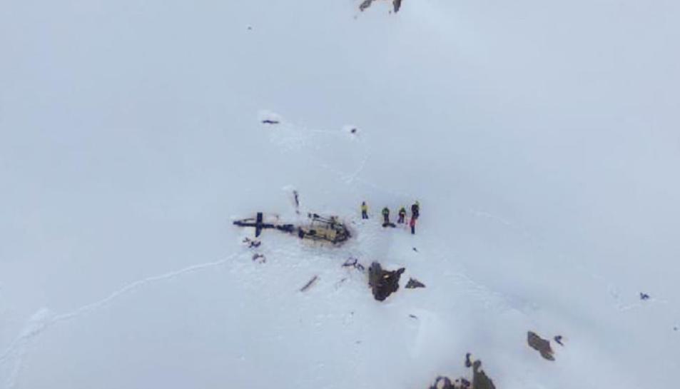 Imatge aèria de l'accident entre l'avioneta i l'helicòpter