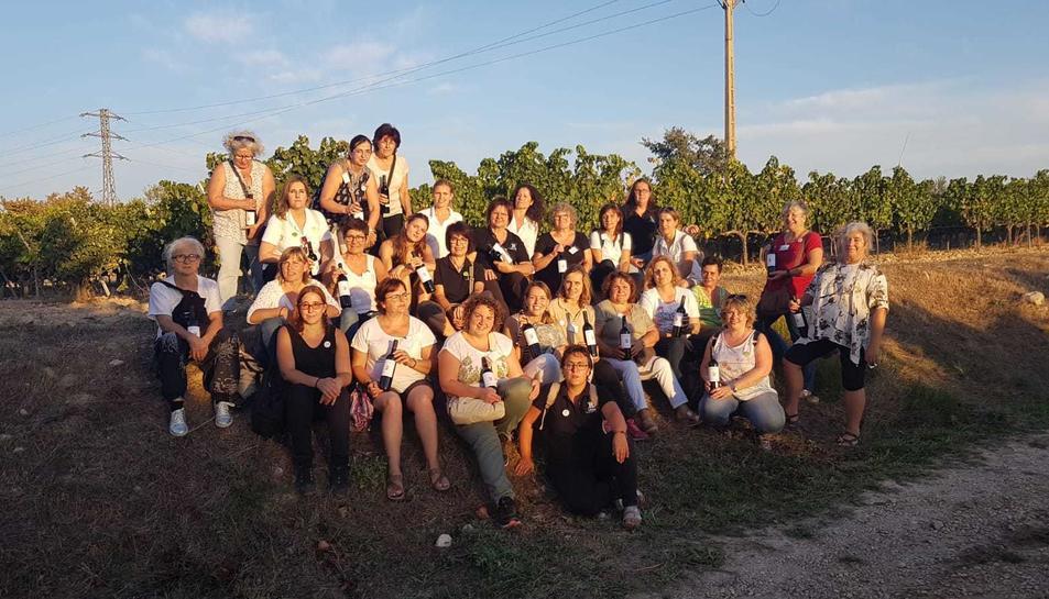 Foto de família de l'Associació de Dones del Món Rural, nascuda aquest mes de gener.