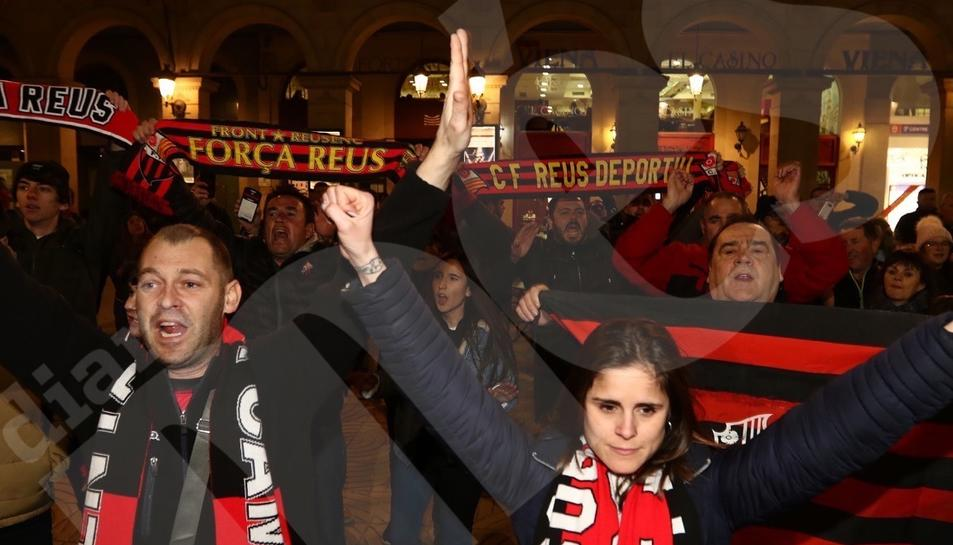 Protesta dels aficionats del CF Reus per la situació del club