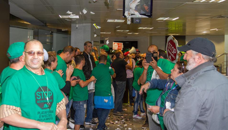 Una imatge d'arxiu d'una acció de la PAH a Tarragona.
