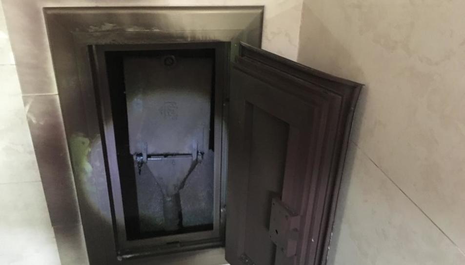 La caixa que connecta amb el subministrament general.