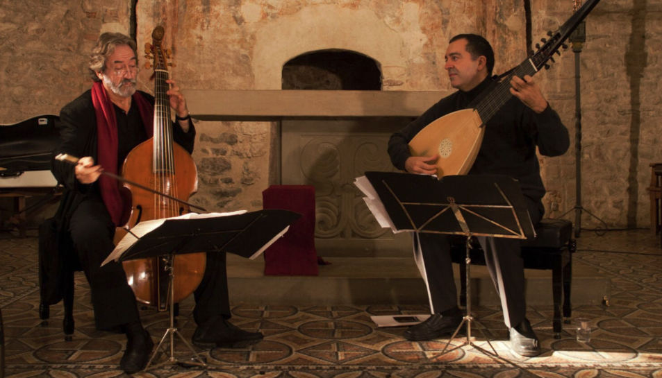 Jordi Savall i Xavier Diaz-Latorre interpretaran el concert 'Folias & Romanescas'.