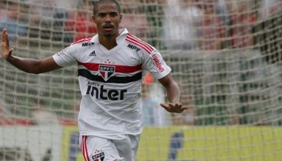 Gabriel Novaes celebra un gol amb el Sao Paulo.