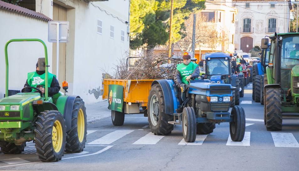 Unió de Pagesos ha convocat la tractorada, que ha anat des del Morell a Tarragona