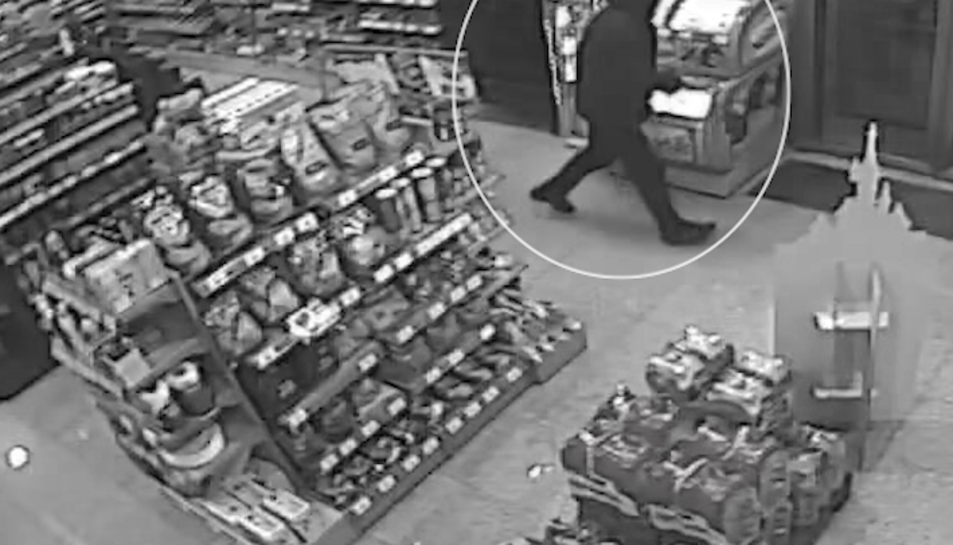 Les càmeres de seguretat van enregistrar els robatoris.