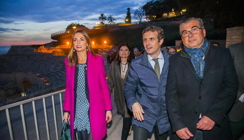 Casado, flanquejat per Inma Rodríguez i José Luis Martín, avui a la tarda a l'Amfiteatre.