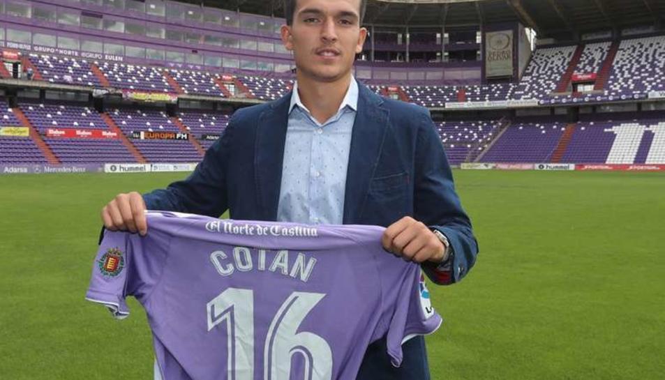 Cotán el dia de la seva presentació al Real Valladolid, la temporada passada.