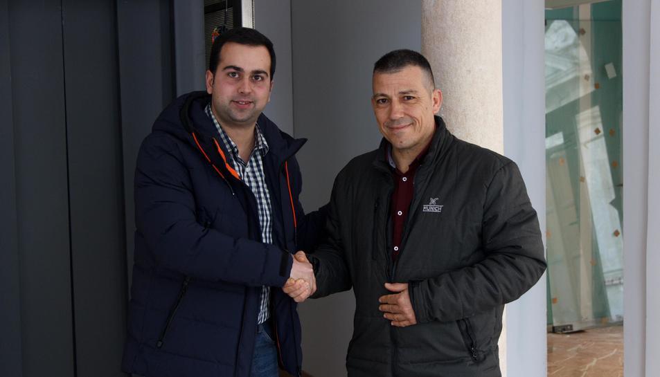 El regidor de Governació i Protecció Civil, Eloi Calbet, i el nou cap del servei, Manel Catalán.