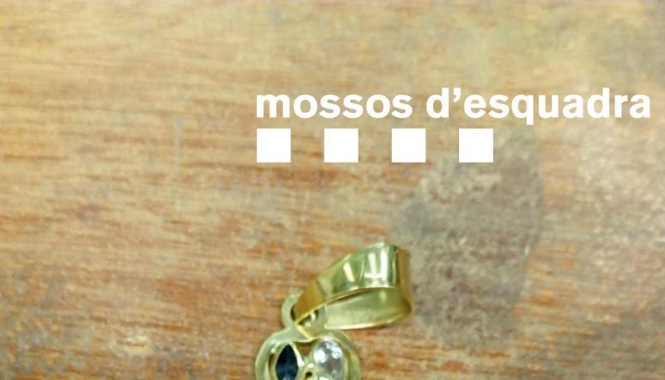 Imatge d'una de les joies robades.