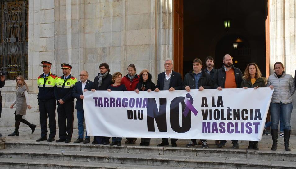 Minut de silenci a Tarragona per la mort de la menor de 17 anys assassinada a Reus.