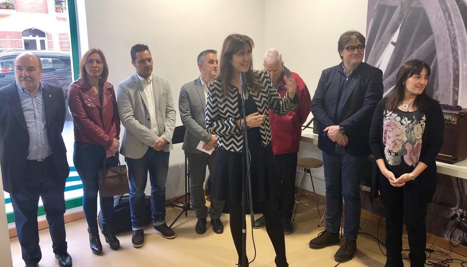 La consellera de cultura, Laura Borràs, inaugurant la nova biblioteca de Creixell