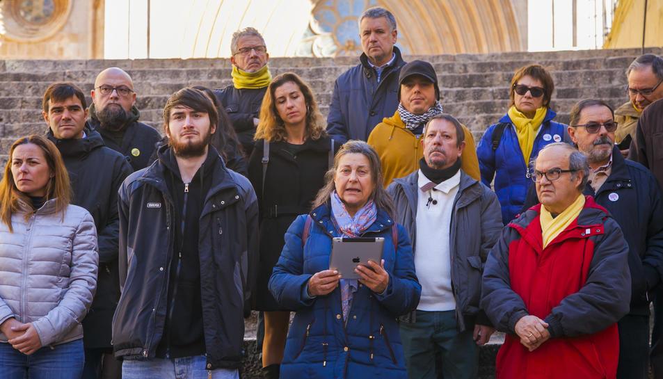 El manifest de les organitzacions independentistes es va llegir a les escales de la Catedral.