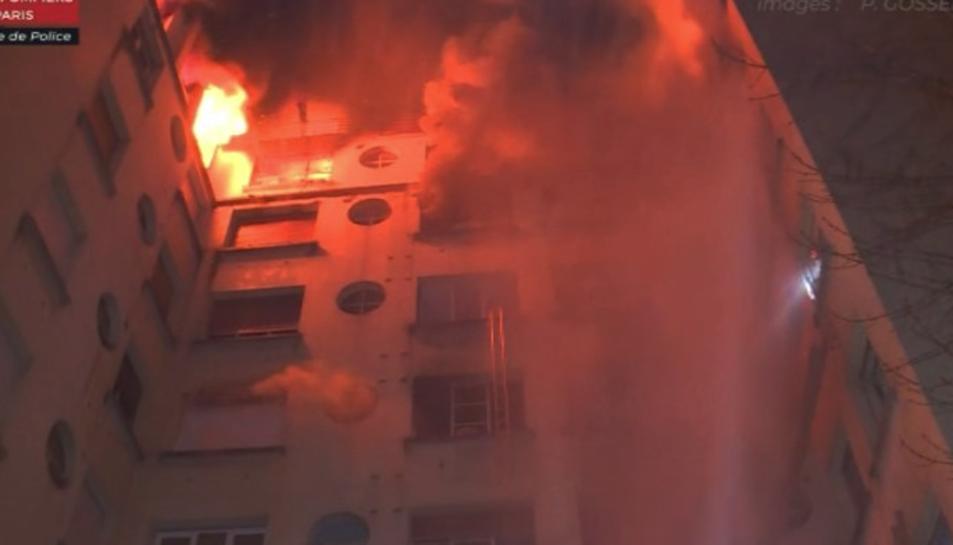 Imatge de l'incendi que ha deixat almenys set morts a París.