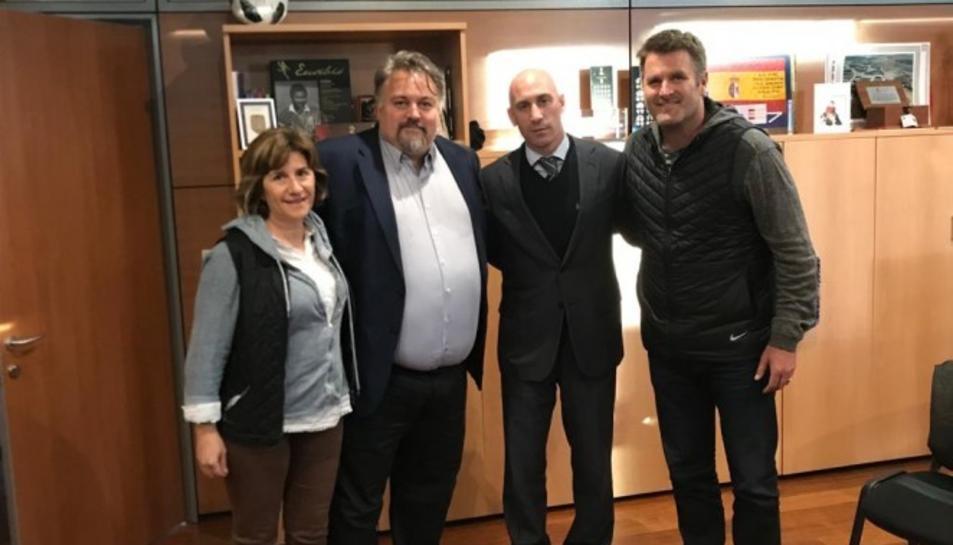 Els nous propietaris del Reus van visitar Luis Rubiales a la seu de la Real Federación Española de Fútbol (RFEF).
