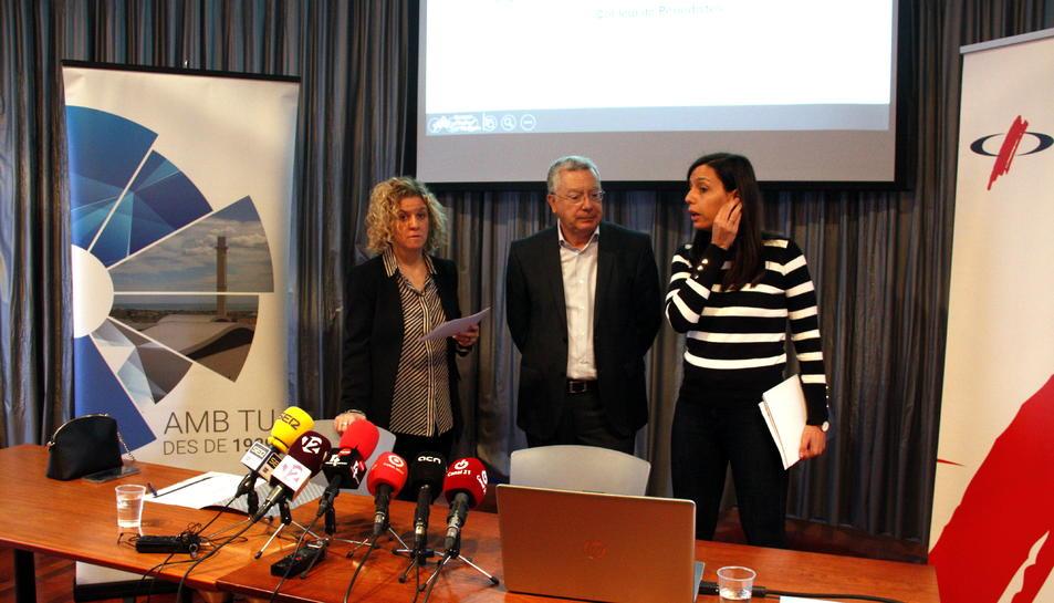 La presidenta del CAT, Meritxell Roigé, i el director-gerent del CAT, Josep Xavier Pujol, abans d'atendre els mitjans en la presentació del balanç anual del Consorci.