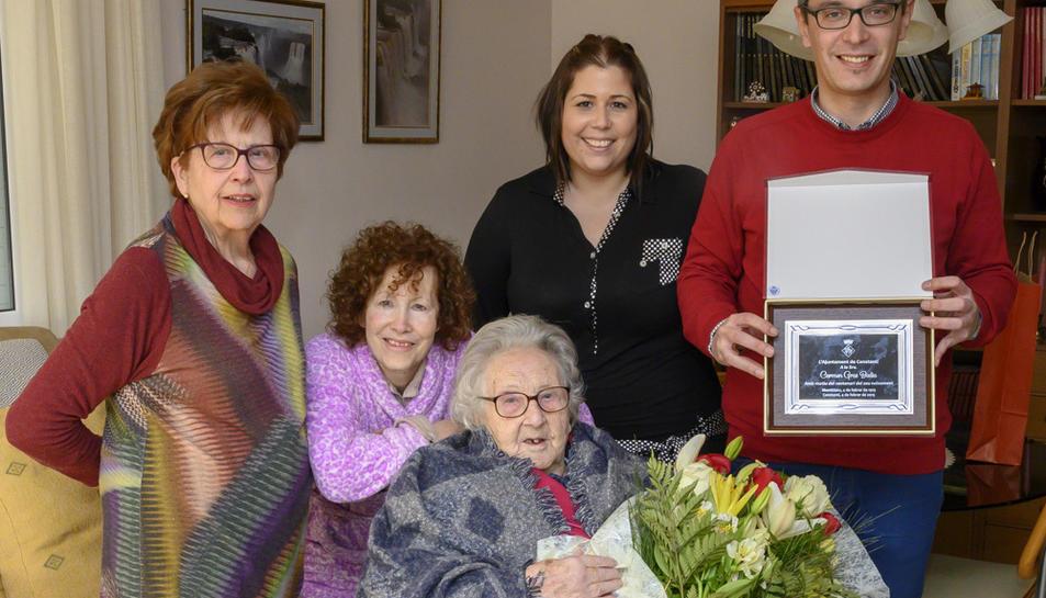 Imatge de l'homenatge a Carme Gras, que va fer 100 anys el 4 de febrer.