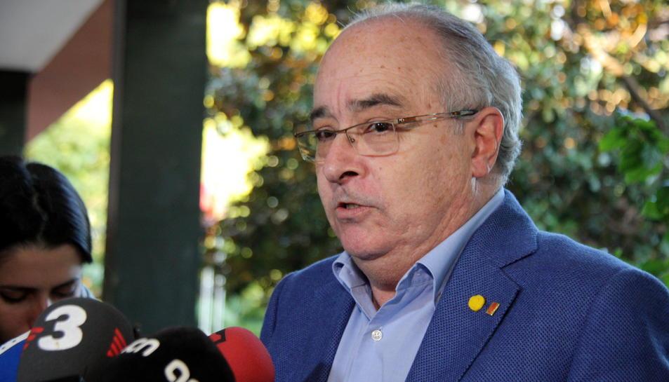 Pla mitjà del conseller d'Ensenyament, Josep Bargalló.