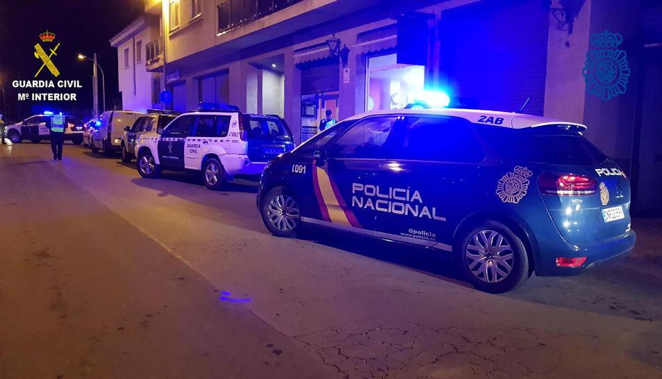 L'operatiu es va dur a terme en diversos comerços de Torredembarra i el Vendrell.