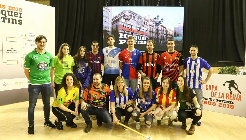 Els jugadors i jugadores respresentants dels equips que disputaran les copes del Rei i la Reina al Pavelló Olímpic reusenc.