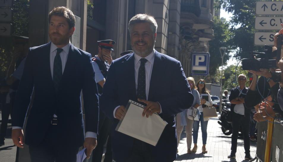 L'alcalde de Valls i diputat de Junts pel Sí, Albert Batet, arribant a la Fiscalia abans de declarar el 20 de setembre del 2017.