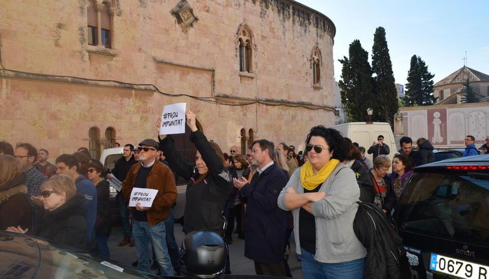 La manifestació contra els abusos de menors