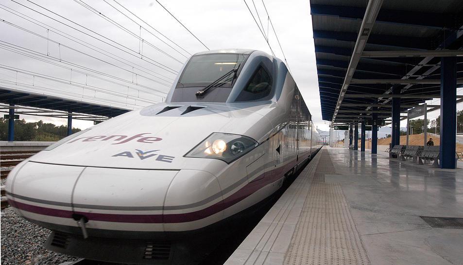 La voluntat és potenciar l'ús del transport públic per arribar a l'Estació del Camp.